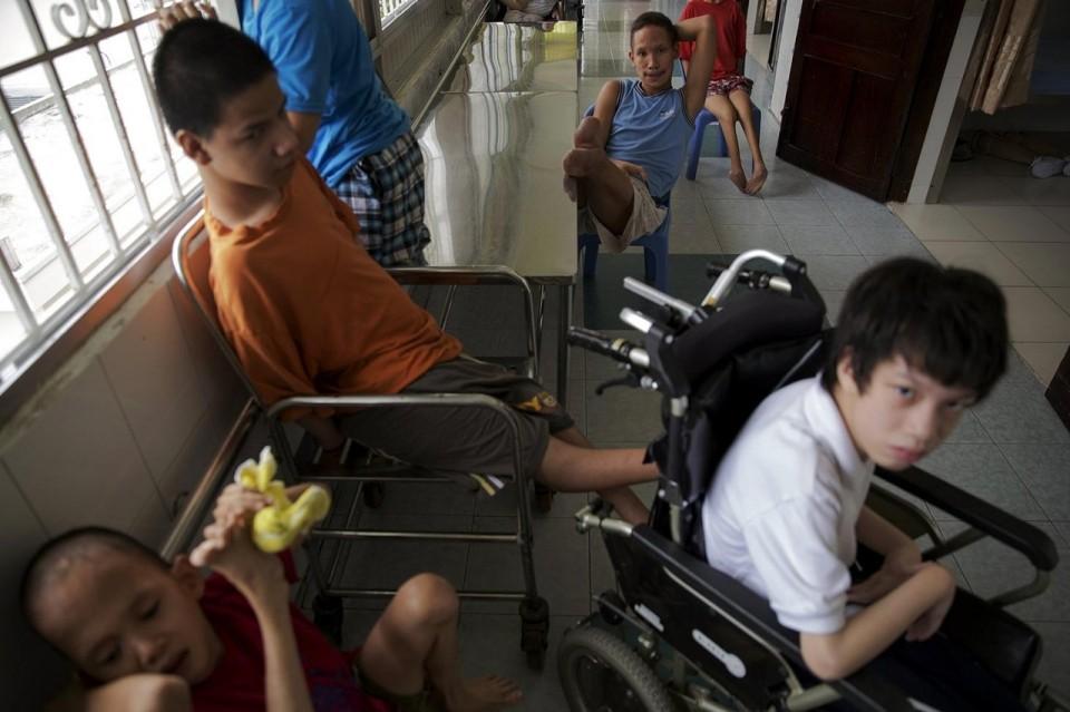 Nỗi đau nạn nhân chất độc da cam Việt Nam trên báo Anh