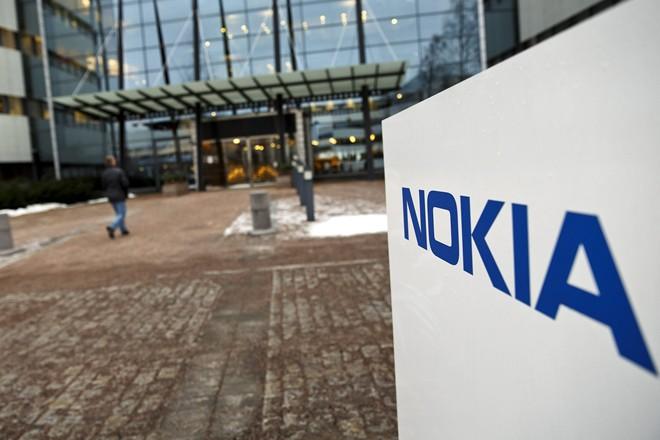 Nokia: Hành trình từ thương hiệu 300 tỷ đô đến bán mình