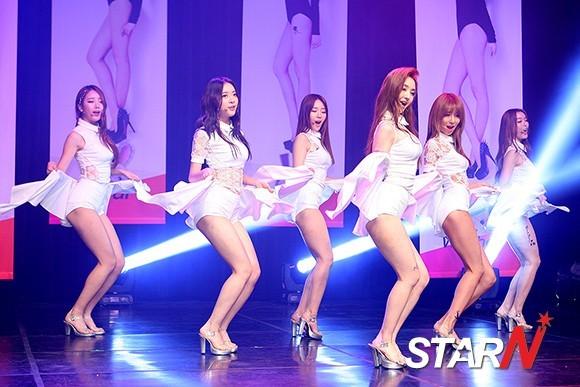 Những vũ đạo bị chê phản cảm của sao nữ Kpop