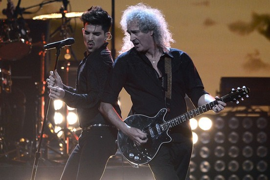 Adam Lambert thừa nhận từng ngủ với nhiều sao nam hạng A