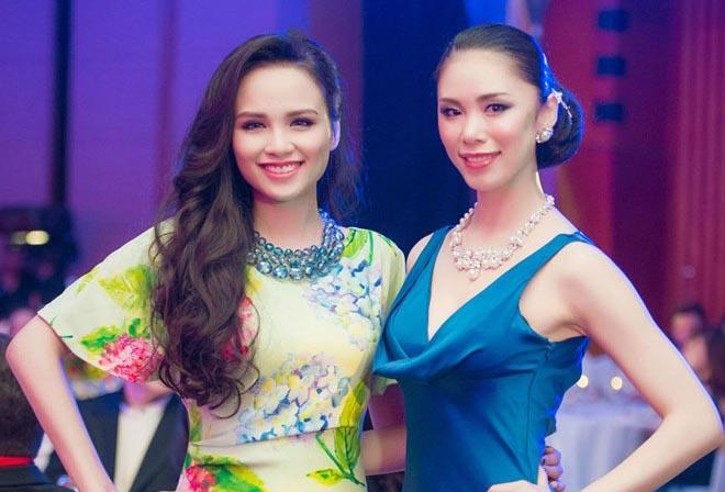 Diễm Hương đọ sắc bên Hoa hậu Hoàn vũ 2007