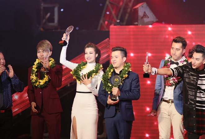 Đông Nhi đoạt giải quán quân The Remix
