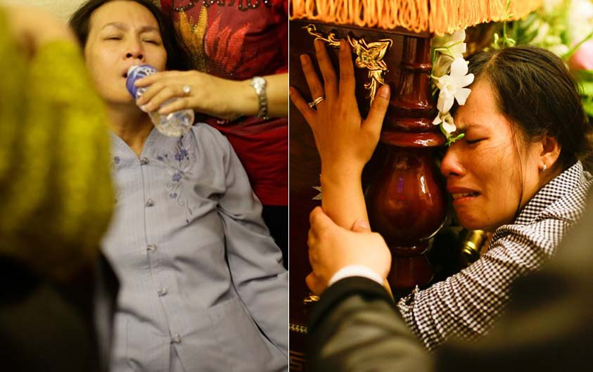 Mẹ và chị ngất xỉu trong lễ hỏa táng Duy Nhân