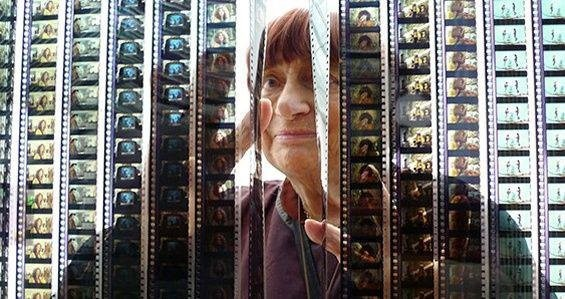 Nữ đạo diễn đầu tiên nhận Cành cọ danh dự