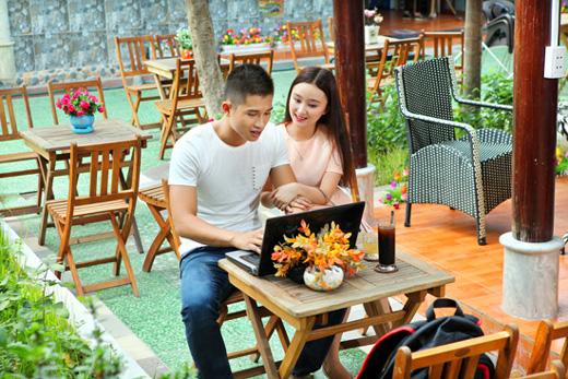 Bắt gặp Đinh Minh Quân cafe với bạn gái mới