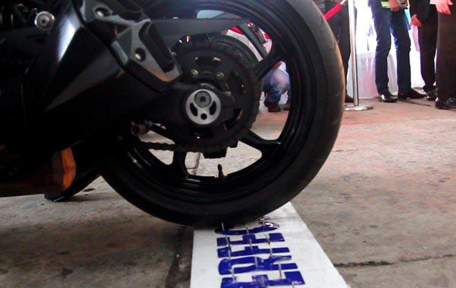 Công nghệ lốp xe chống đinh tặc đến Việt Nam