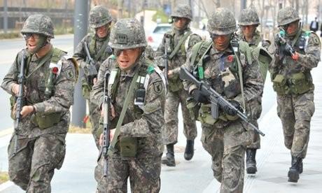 Lính dự bị Hàn Quốc bắn chết đồng đội rồi tự sát