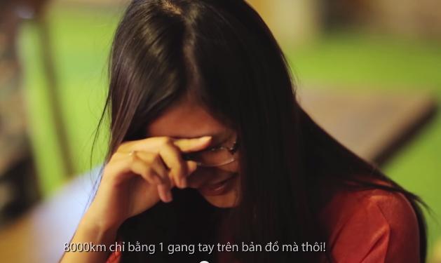 Cô gái bật khóc trước màn cầu hôn bất ngờ của bạn trai