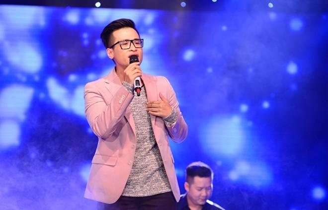 Hà Anh Tuấn gặp sự cố trên sóng trực tiếp