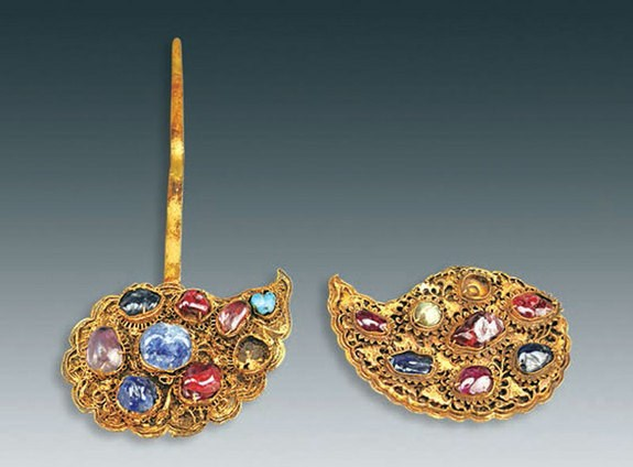 Lóa mắt kho báu toàn vàng ròng trong mộ cổ Trung Quốc