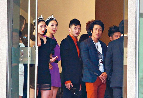 Đời bĩ cực của những người đẹp Hoa ngữ bị ép đi khách