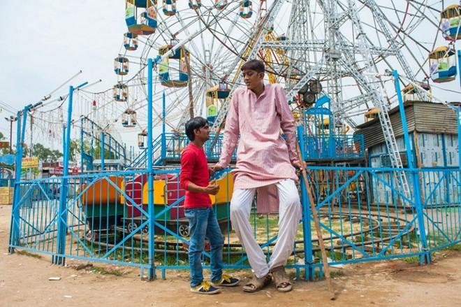 Chàng trai Ấn Độ không thể xin việc vì cao 2,47 m