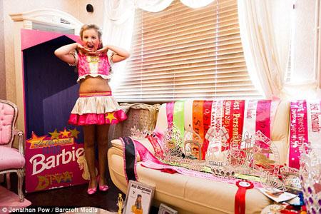 Bé gái 10 tuổi tiêu tốn cả chục triệu đồng mỗi tháng để… làm đẹp