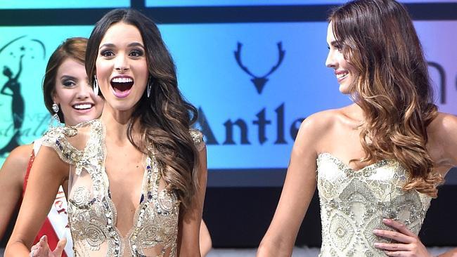 Cận cảnh nhan sắc ngọt ngào của tân hoa hậu Úc