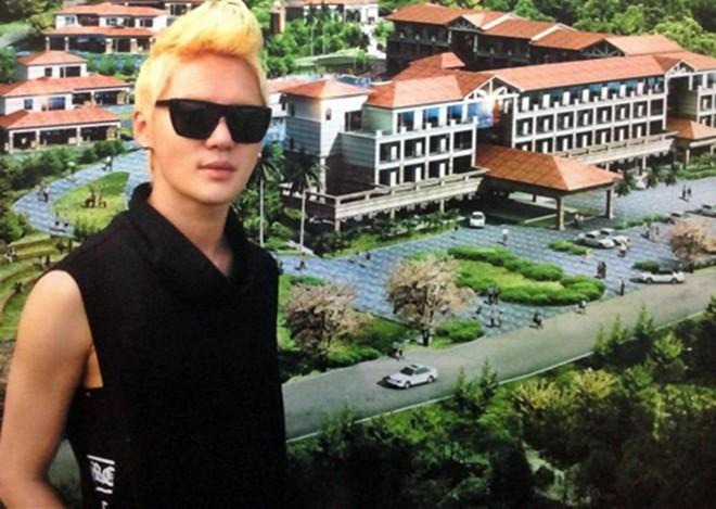 Khách sạn triệu đô của Junsu (JYJ) bị phong tỏa vì nợ nần