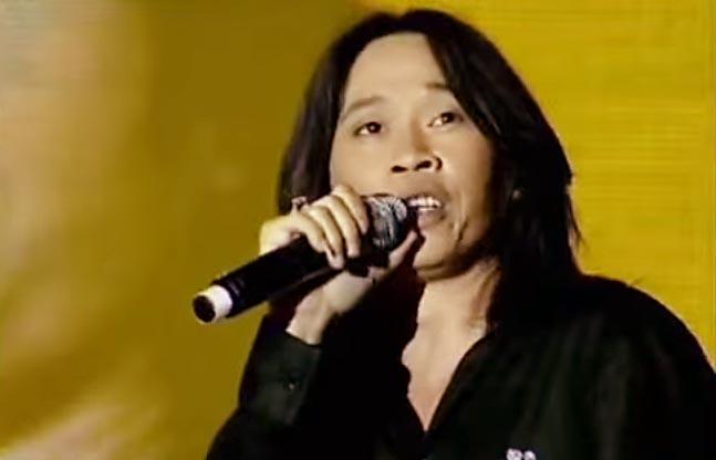 Giọng hát thật sự của Hoài Linh (lúc trẻ) ca sĩ bây giờ chỉ đáng xách dép!