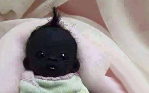 """""""Rơi hàm"""" khi xuất hiện em bé Nam Phi đen nhất thế giới"""