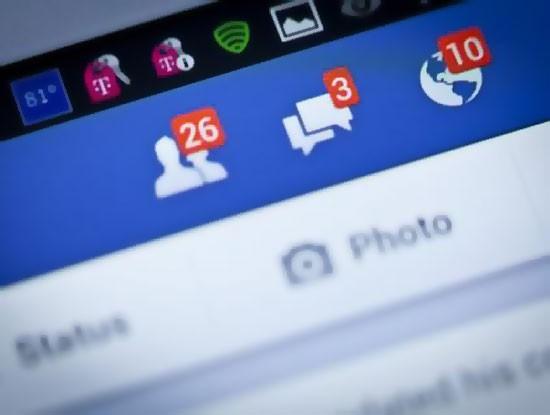 Người Việt bỏ ra 2,5 giờ mỗi ngày để lướt Facebook