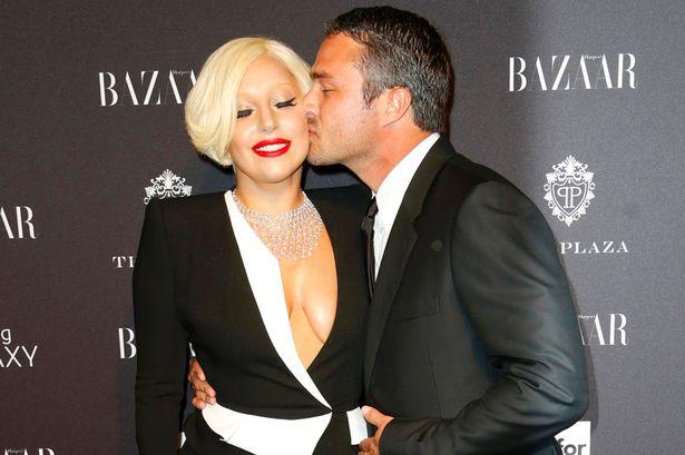 Váy cưới của Lady Gaga sẽ rất đơn giản