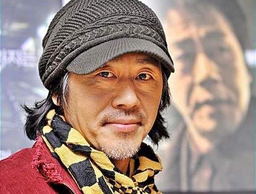 Nam diễn viên Hàn tự tử trong xe hơi