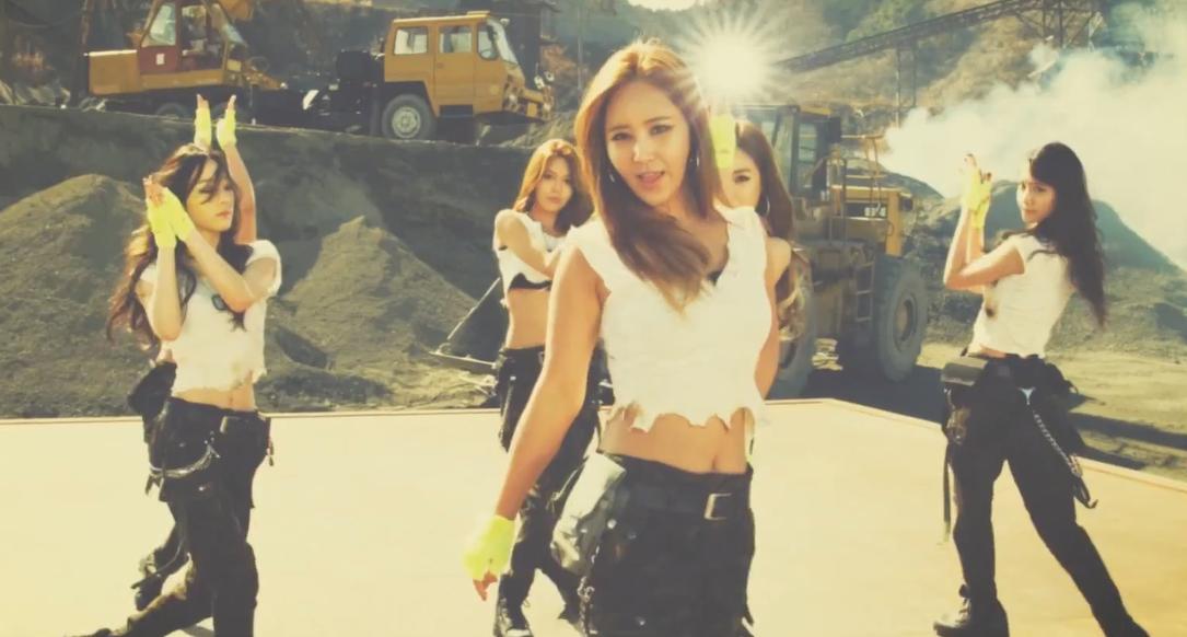 """SNSD lộ MV """"Catch me if you can"""" phiên bản 9 người"""