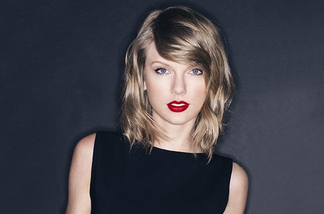Taylor Swift bị nhiếp ảnh gia tố đạo đức giả