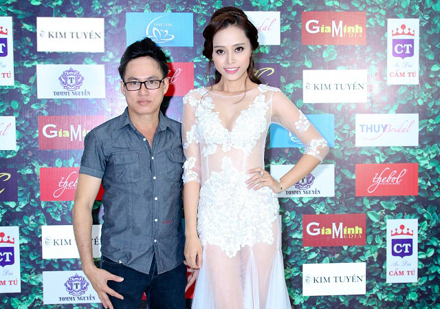 Đặng Hà Vy như nữ hoàng kiêu sa với váy cưới trong suốt của Tommy Nguyễn