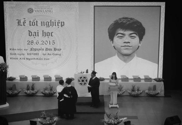 Câu chuyện sinh viên ĐH Văn Lang đã qua đời được đặc cách trao bằng tốt nghiệp gây xúc động mạnh
