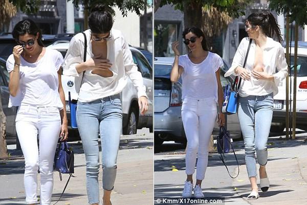Em gái Kim siêu vòng ba mặc hớ hênh ra phố