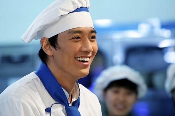 Những sao Hàn vừa điển trai vừa giỏi nấu nướng