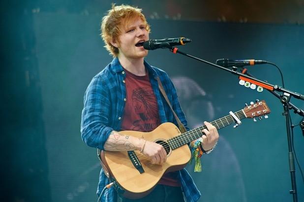 Ed Sheeran thừa nhận từng 'bĩnh' ra quần trên sân khấu