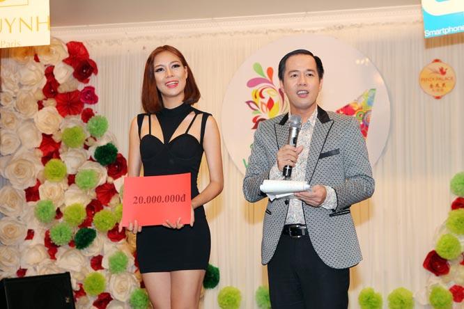 """Top 10 HHVN Mỹ Hạnh tham gia chương trình """"Đẹp vì cộng đồng"""""""