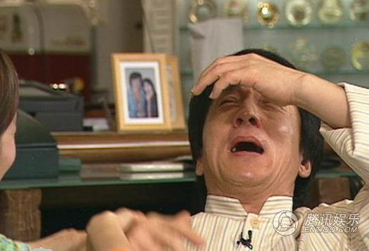 Đằng sau những giọt nước mắt trước đám đông của sao Hoa ngữ