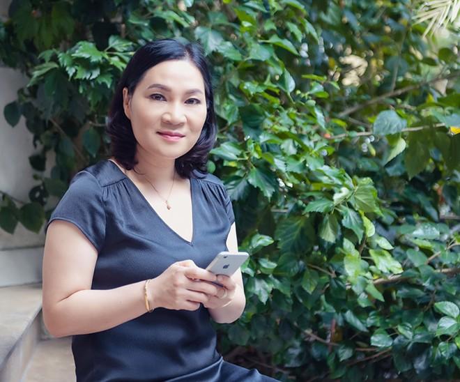 Đường tình lận đận của các MC Việt