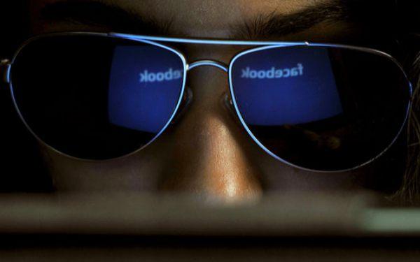 """Tìm hiểu về những """"kẻ săn tiền thưởng"""" trên Facebook"""