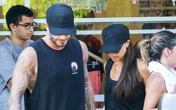 Victoria đang cố gắng xóa hình xăm tên David Beckham