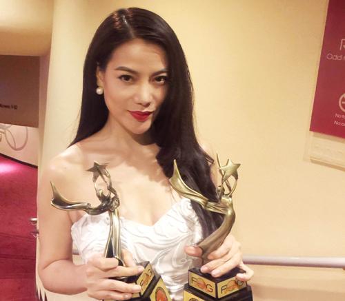 """Trương Ngọc Ánh đoạt giải """"Nữ diễn viên xuất sắc"""""""