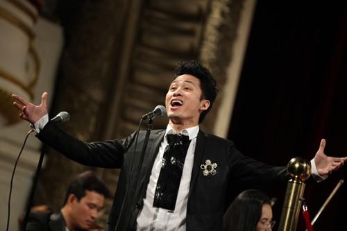 """Tùng Dương: """"Nghệ sĩ chân chính luôn có sự kiêu hãnh ngầm"""""""
