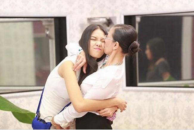 Sao Việt chia sẻ về cha mẹ trong ngày Vu Lan