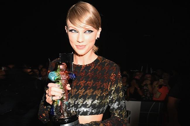 Taylor Swift: Thành công của một chiến binh trong làng nhạc