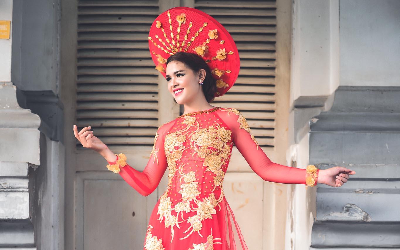 Á hậu Sơn Thị Dura lộng lẫy và rạng ngời với Áo dài cưới Tommy Nguyễn