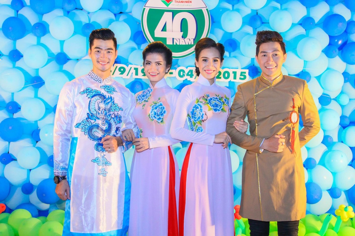 Đàm Thanh và Nam Phong lịch lãm bên các mỹ nhân