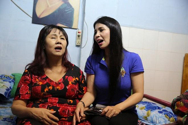 Lý Hương hỗ trợ nghệ sĩ Hoàng Lan 20 triệu đồng chữa bệnh
