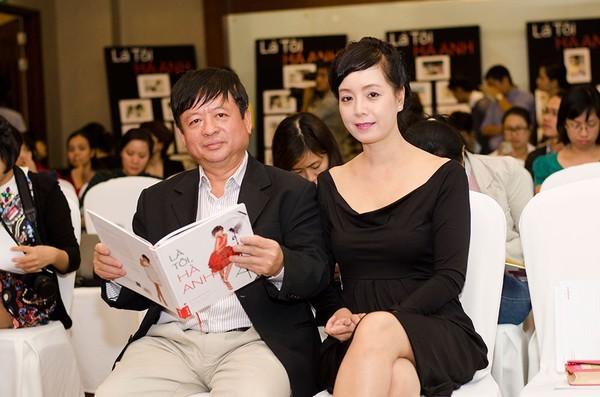 Những mối tình hạnh phúc dù cách biệt tuổi tác của sao Việt