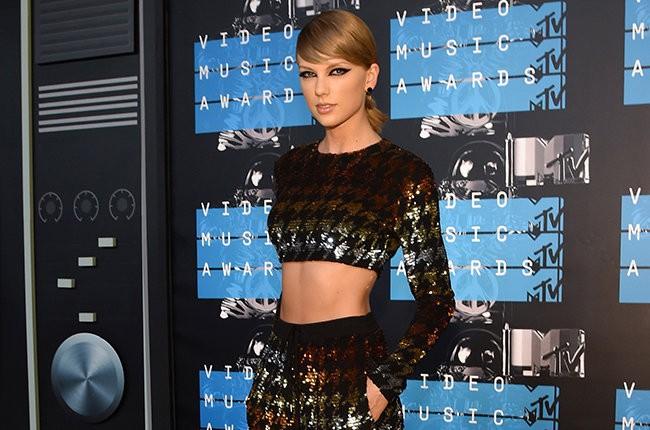 Taylor Swift dẫn đầu danh sách cử MTV EMA 2015