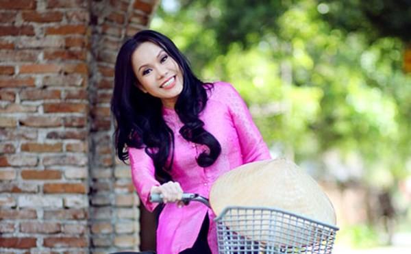 Nghệ sĩ Việt Hương: 'Lùn cũng lợi'