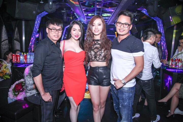 NTK Tommy Nguyễn dự đêm tiệc party sinh nhật hotgirl Nancy Trần
