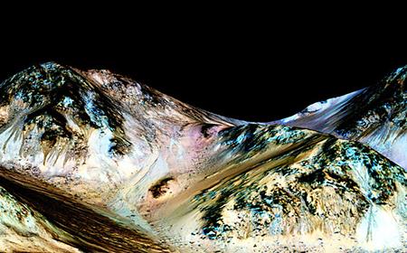 NASA công bố phát hiện thế kỷ: tìm thấy nước ở dạng lỏng trên Sao Hỏa