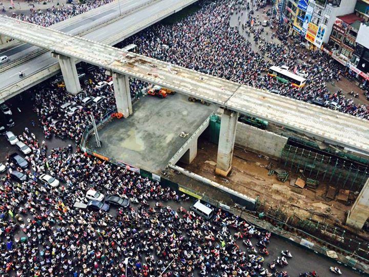 Hà Nội: Hình ảnh ùn tắc kinh hoàng trong buổi sáng cao điểm ở ngã tư Khuất Duy Tiến