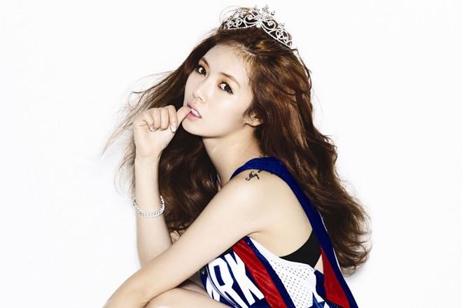Vẻ đẹp khiến fan mê mẩn của công chúa, hoàng tử Kpop